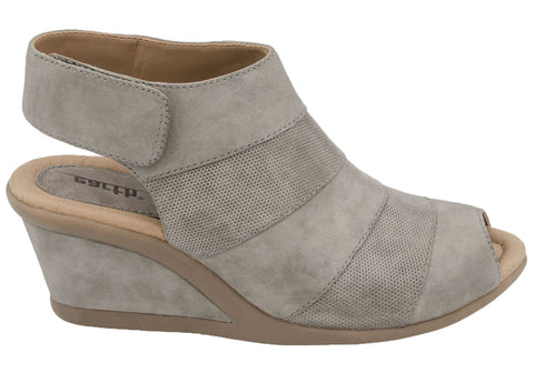 ed47c9a6443f Earth Coriander Womens Comfortable Wedge Sandals