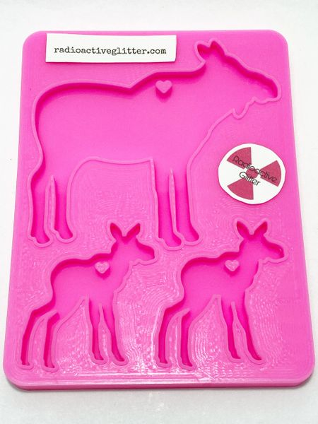 168 Moose Family Silicone Mold