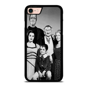 THE MUNSTERS IN COLOR FAMILY PORTRAIT Cover iPhone 8