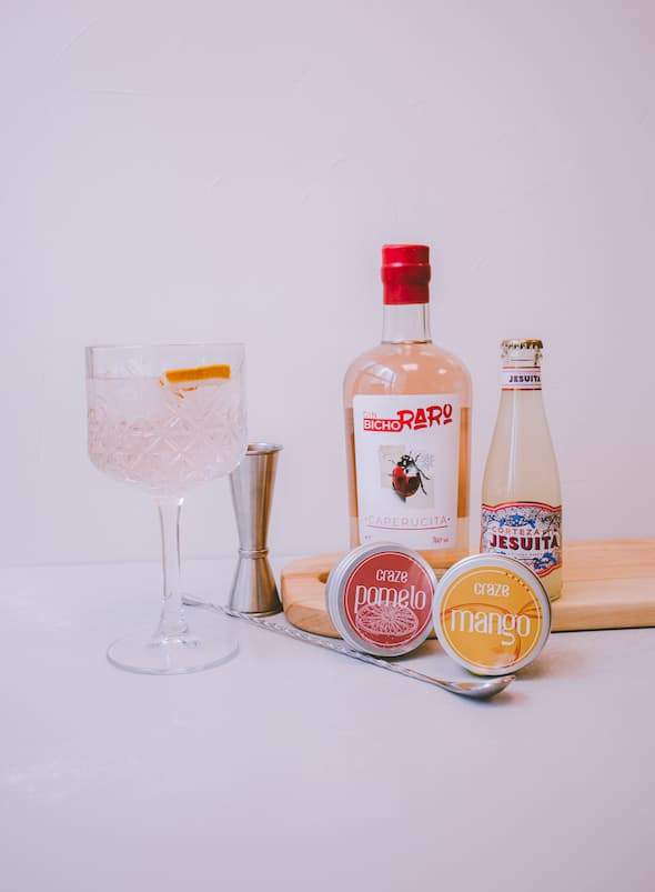 pack the label by the simple life, gin bicho raro caperucita ginger beer corteza jesuita mango y pomelo craze botánica