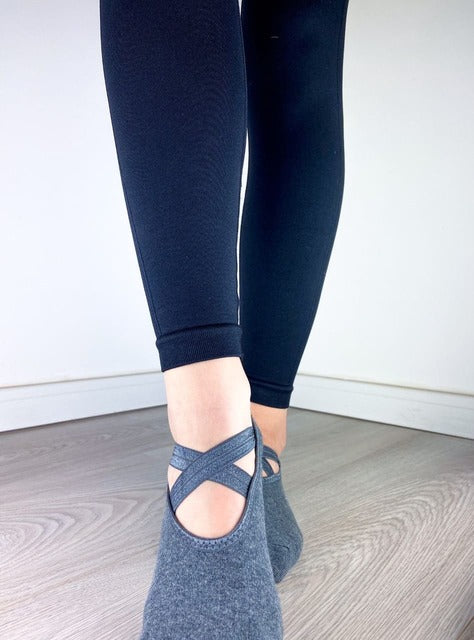 PILATES ČARAPE DARK GRAY