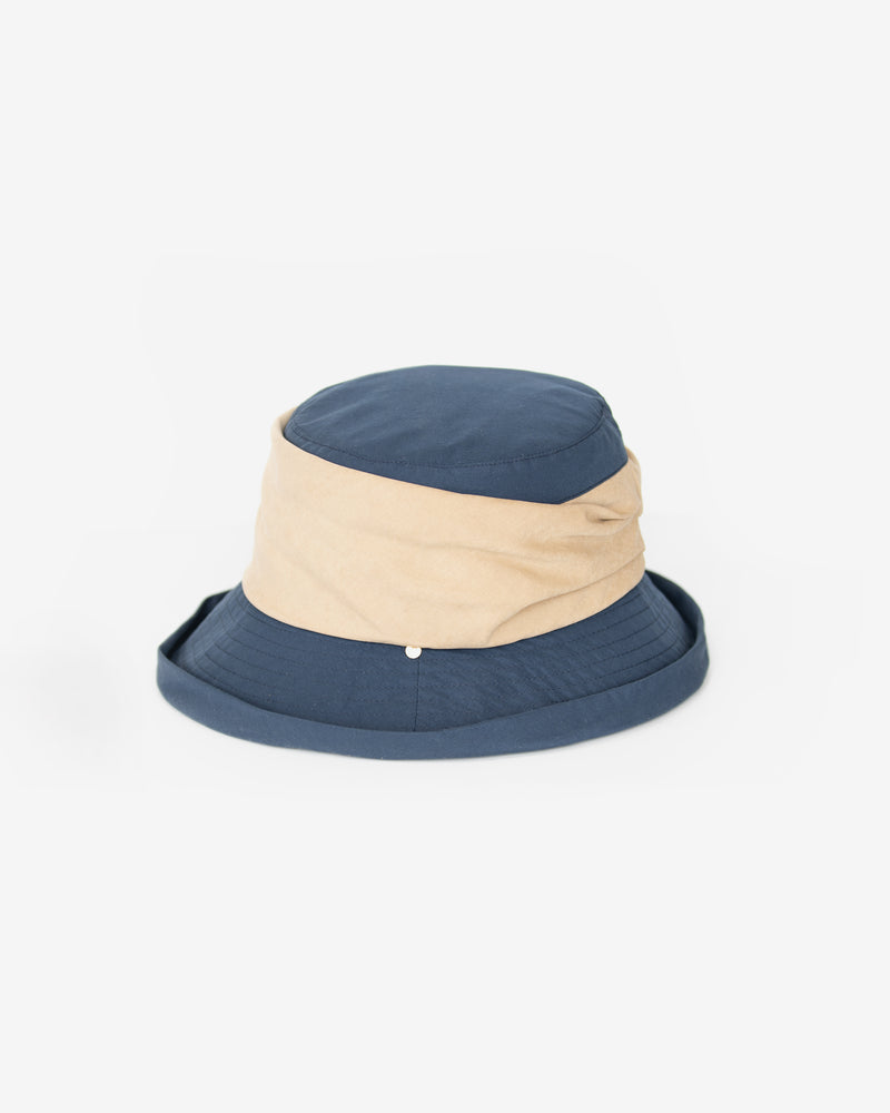 Contrast Band Cloche