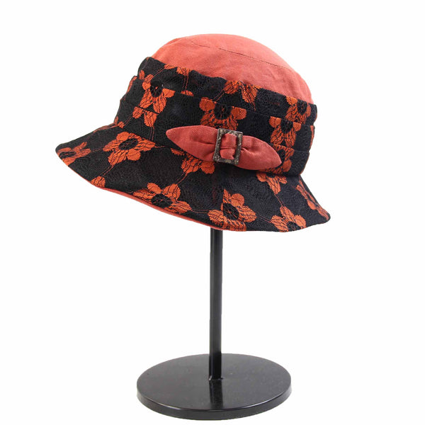 Lightweight Pleated Lace Floral Cloche