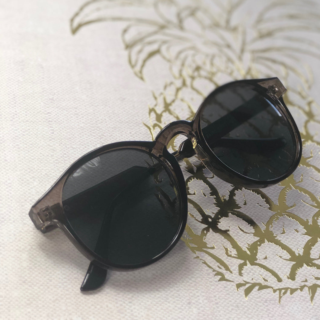 Lovely Sunglasses With Case