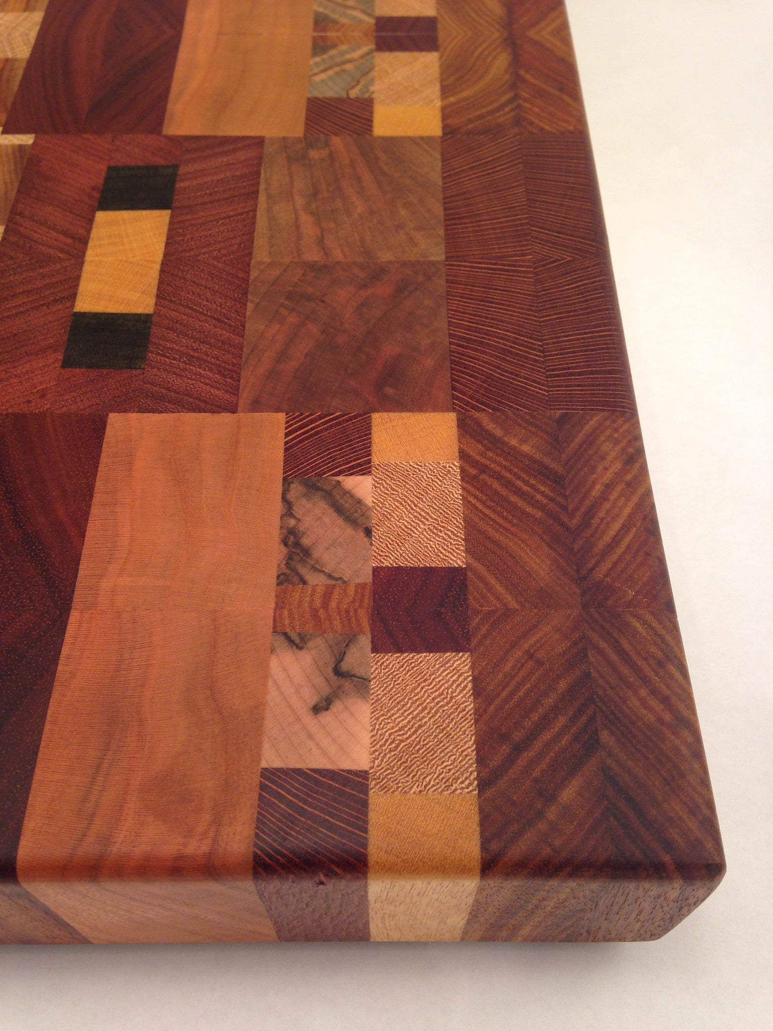 Exotic Cutting Board 004 - No One Alike