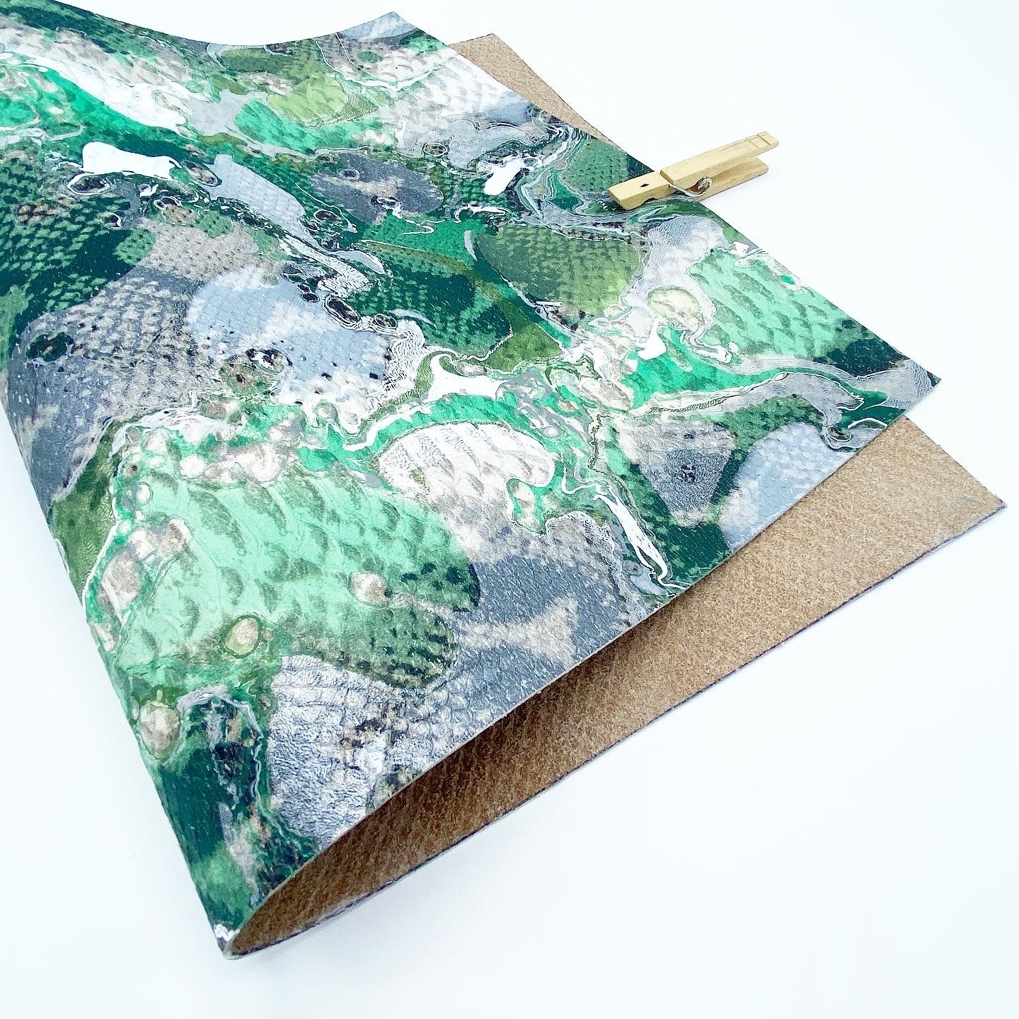 Sparkling Jade Embossed Lizard Large Leather Sheet