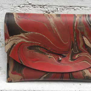 Hard Back Curved Clutch Rouge - No One Alike