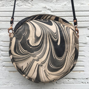 Circle Bag Black & White - No One Alike