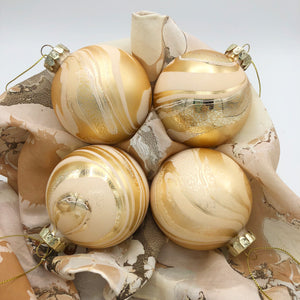 Taffy Small Ornament Set