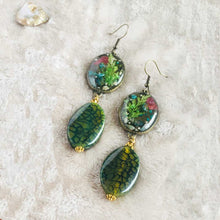 Load image into Gallery viewer, Green Flutter - Earrings, Vintage Archives Collection