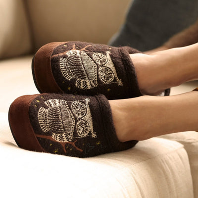 Women's Forest Mule Slippers in Chocolate On Model