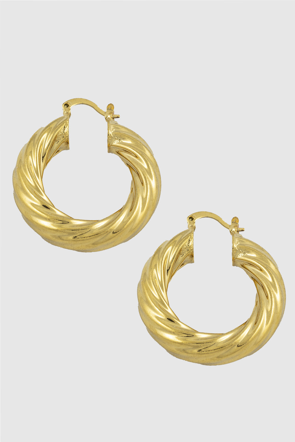 Grooved hoop earrings