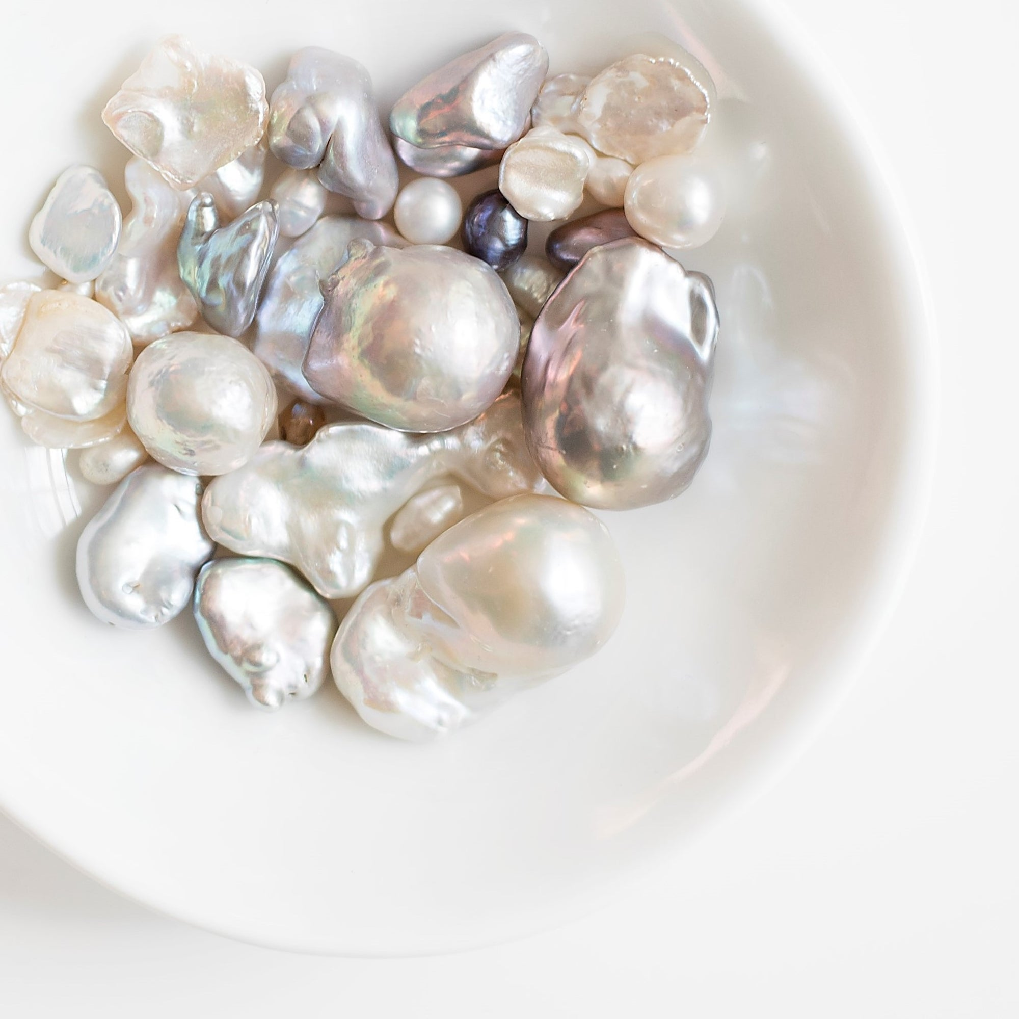 Pearl Treasured for centuries, pearls have long represented values of high significance across many cultures- wisdom, purity, and the generosity of nature. In modern times, pearls remain known as a tribute to classic and enduring beauty. We're constantly