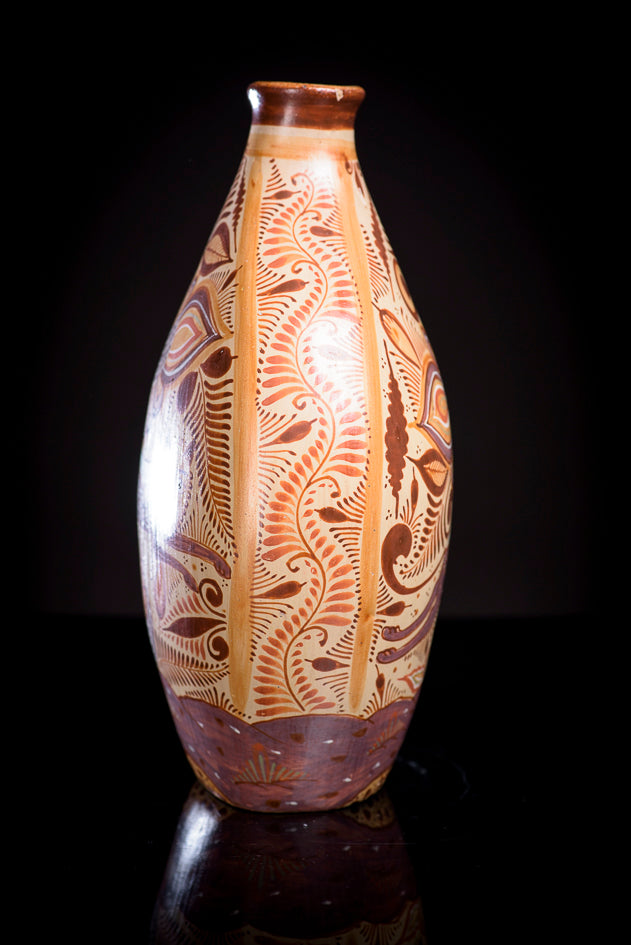 Burnished-clay-canelo-vase-with-nahuales-from-Jalisco-Mexico
