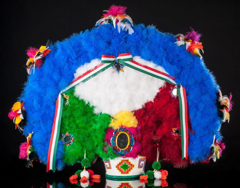 Oaxacan-feather-head-dress-danza-pluma-