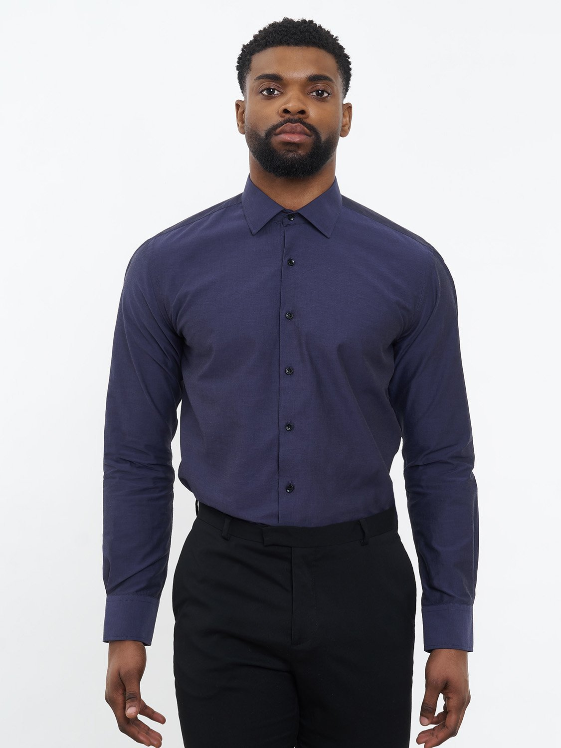 carpasus sustainable organic cotton dress shirt dark blue. Nachhaltiges Carpasus Businesshemd aus Bio Baumwolle in Dunkelblau