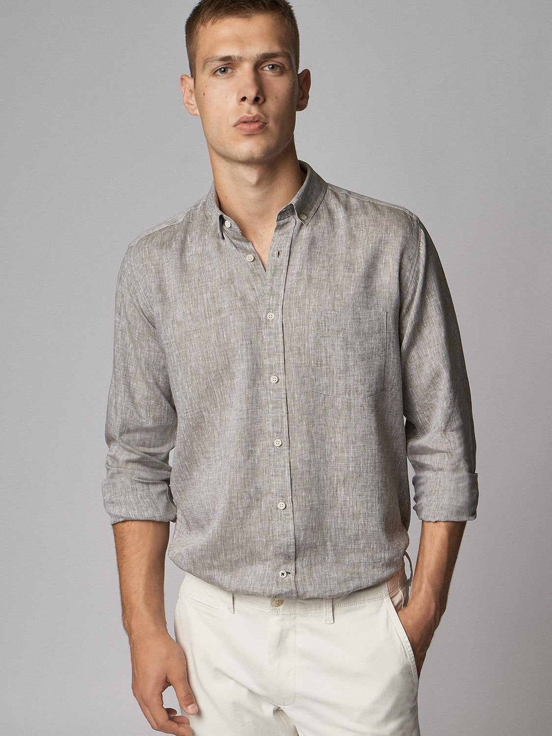 carpasus sustainable organic linen shirt single color khaki. Nachhaltiges Carpasus Hemd aus Bio Leinen in Khaki