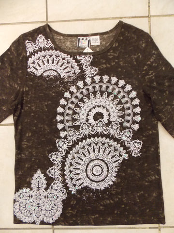 Pin Wheels -  3/4 Sleeve Embellished Tee