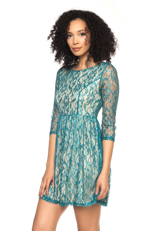 LONG-SLEEVE LACE SHORT DRESS IN GREEN