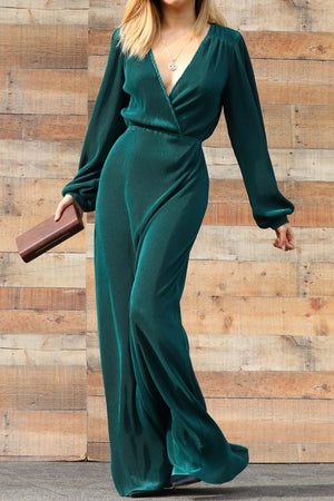 V NECK PLEATED MAXI DRESS IN GREEN