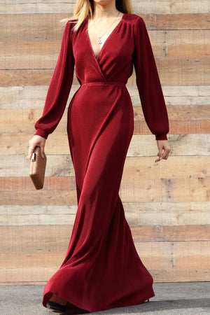 V NECK PLEATED MAXI DRESS IN BURGUNDY