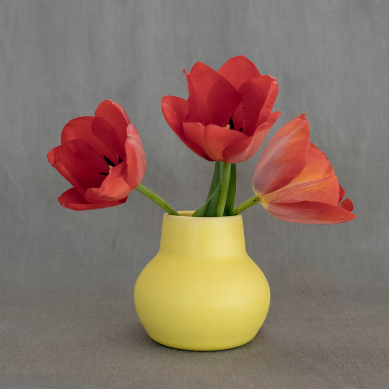 The Bloom Vase in Lemon