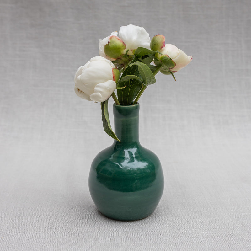 The Petite Vase in Evergreen