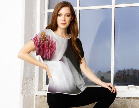 Discount Order Sale Online Store Modern Tee - Magnolias by VIDA VIDA Best Store To Get Cheap Price Cheap Sale Best Prices WJ4kwA