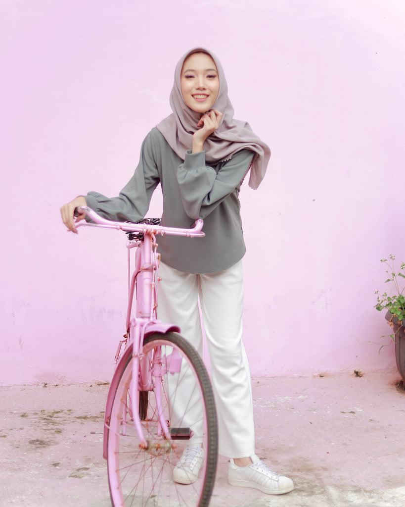 Olivia Korean Sweater Grey