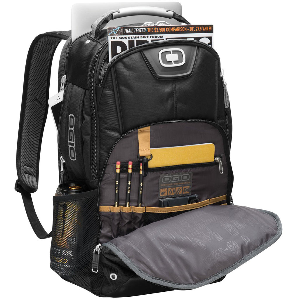 OGIO Bolt Black Pack