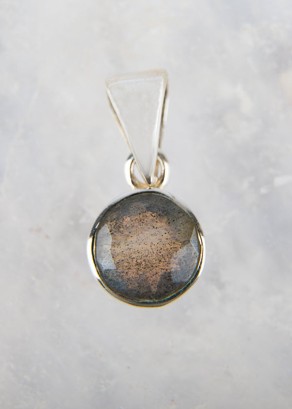 Labradorite Pendant - Kat's Collection