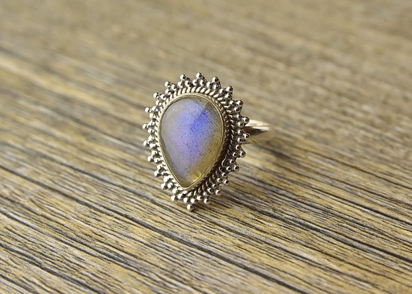 Labradorite Tribal Sterling Silver Ring - Kat's Collection