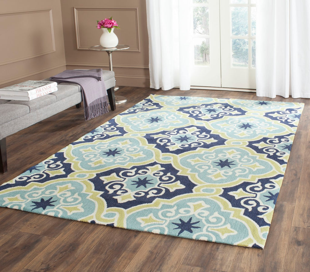 Safavieh Four FRS231 Hand Hooked Rug