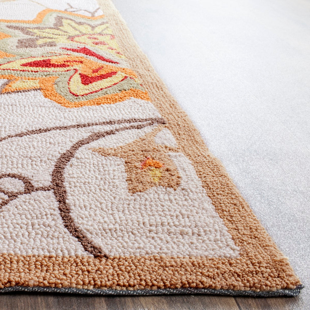 Safavieh Four FRS413 Hand Hooked Rug