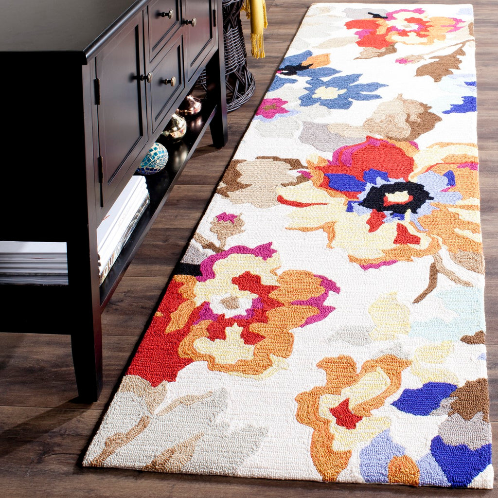 Safavieh Four FRS509 Hand Hooked Rug