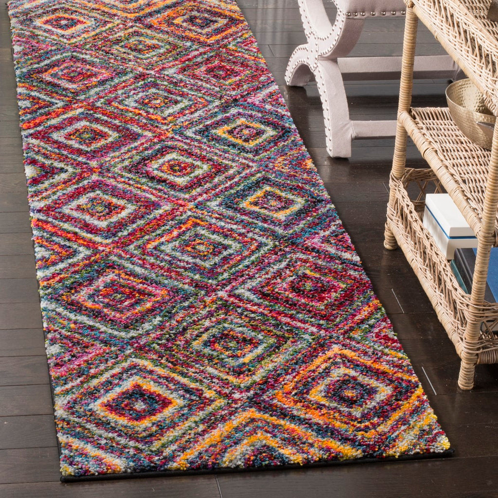 Safavieh Fiesta FSG384 Power Loomed Rug