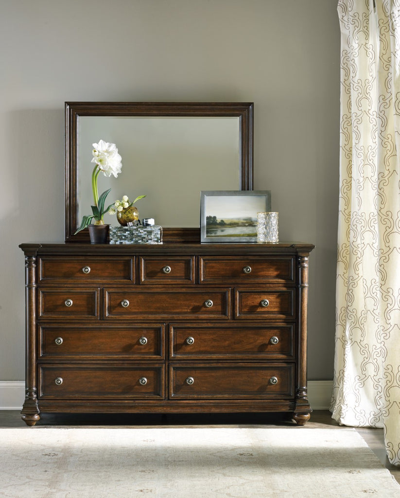 Hooker Furniture Leesburg Traditional-Formal Dresser in Rubberwood Solids and Mahogany Veneers with Resin 5381-90002