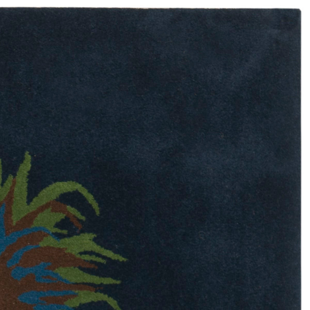 Safavieh Soho SOH291 Hand Tufted Rug