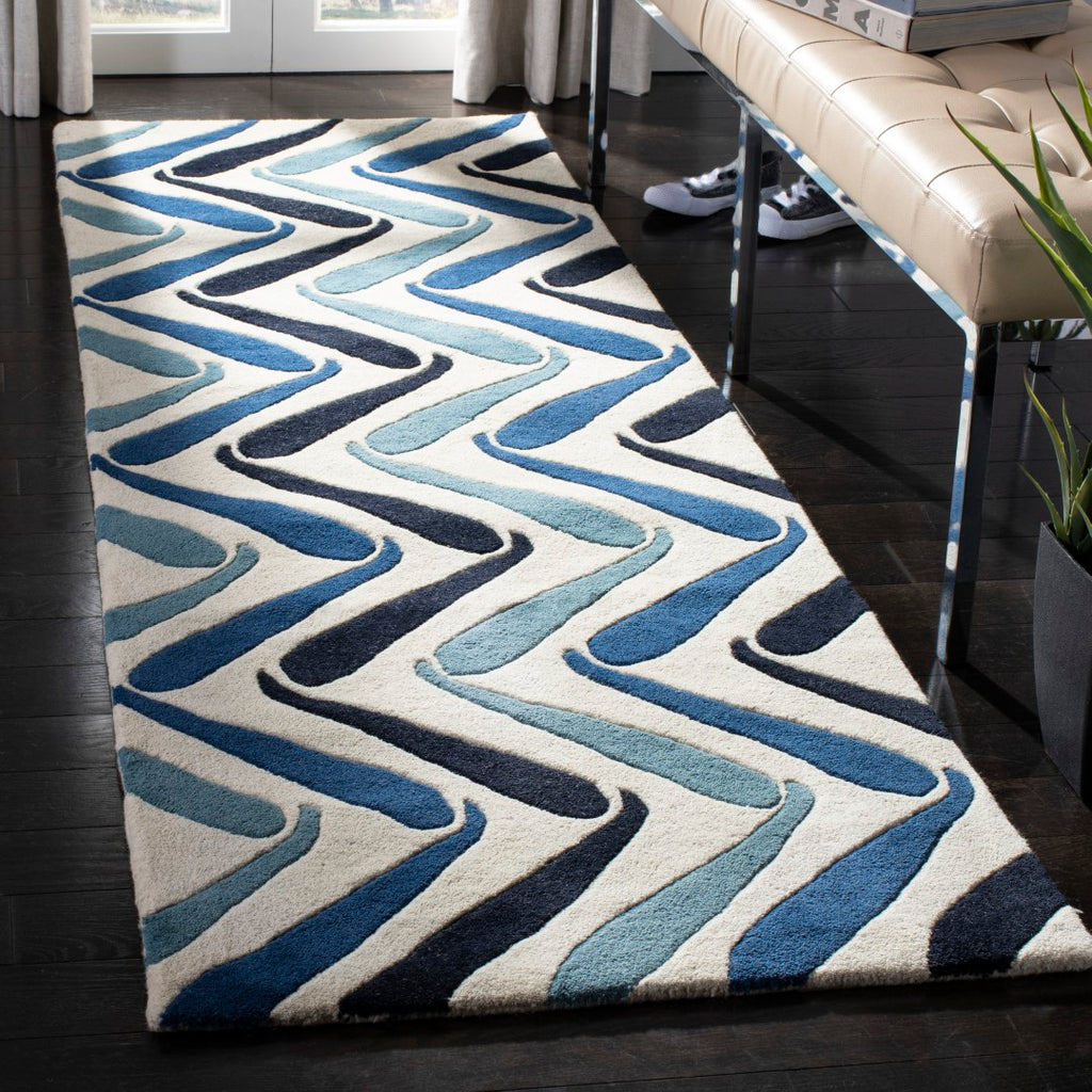 Safavieh Soho SOH731 Hand Tufted Rug