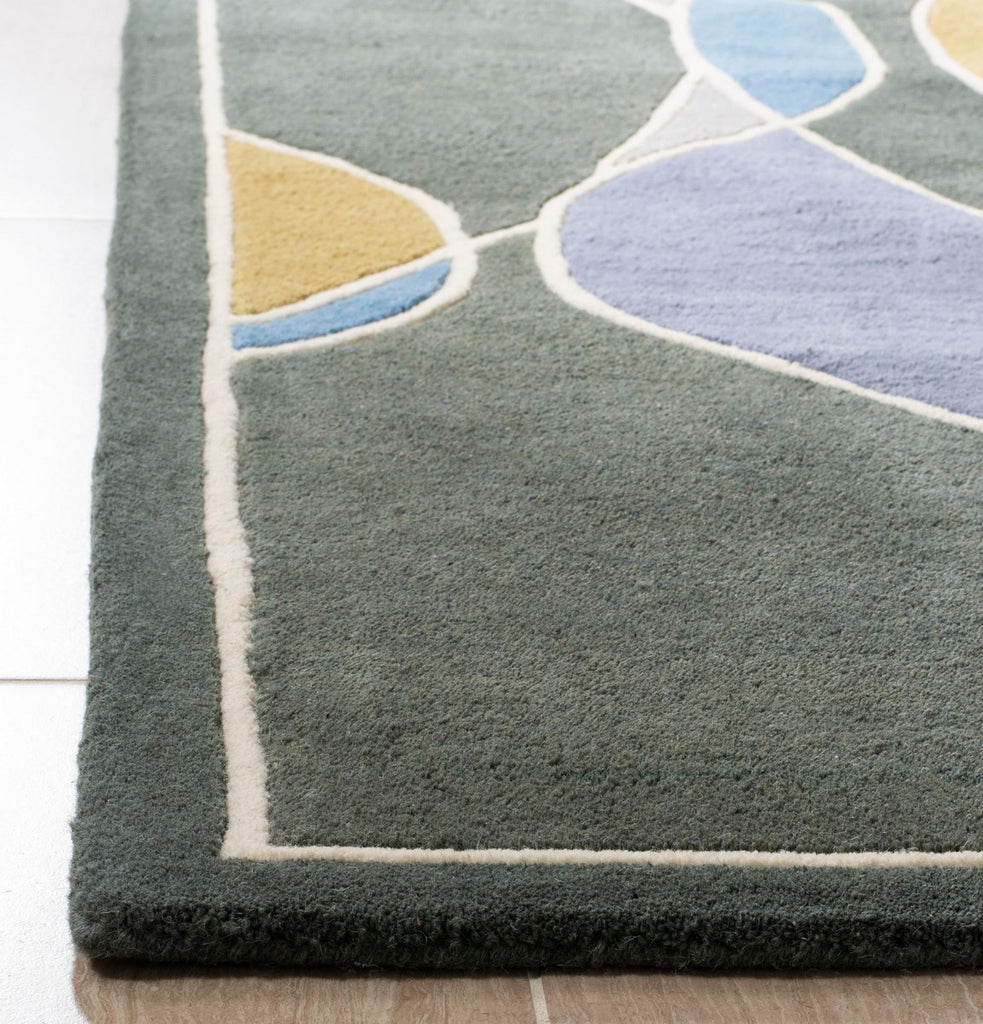 Safavieh Soho SOH762 Hand Tufted Rug