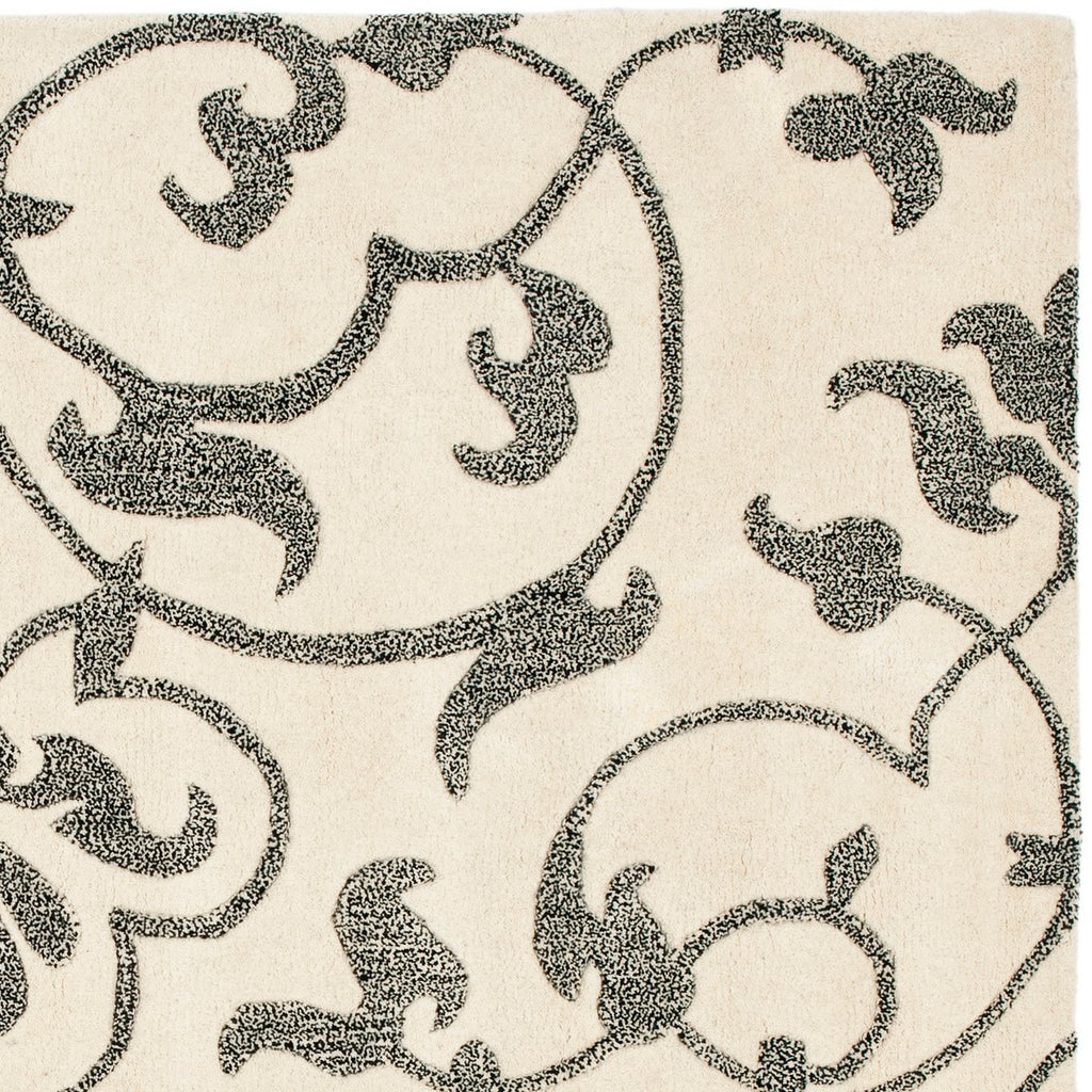 Safavieh Soho SOH840 Hand Tufted Rug