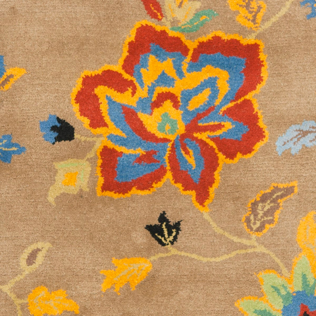 Safavieh Soho SOH847 Hand Tufted Rug