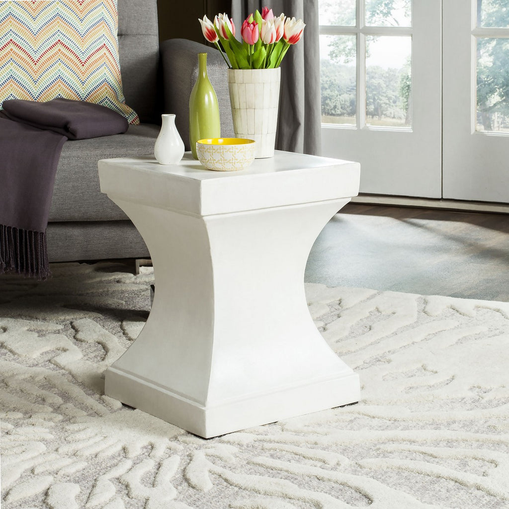 "Safavieh Curby Accent Table Indoor Outdoor 17.7"" Modern Ivory Concrete VNN1002B 889048184428"