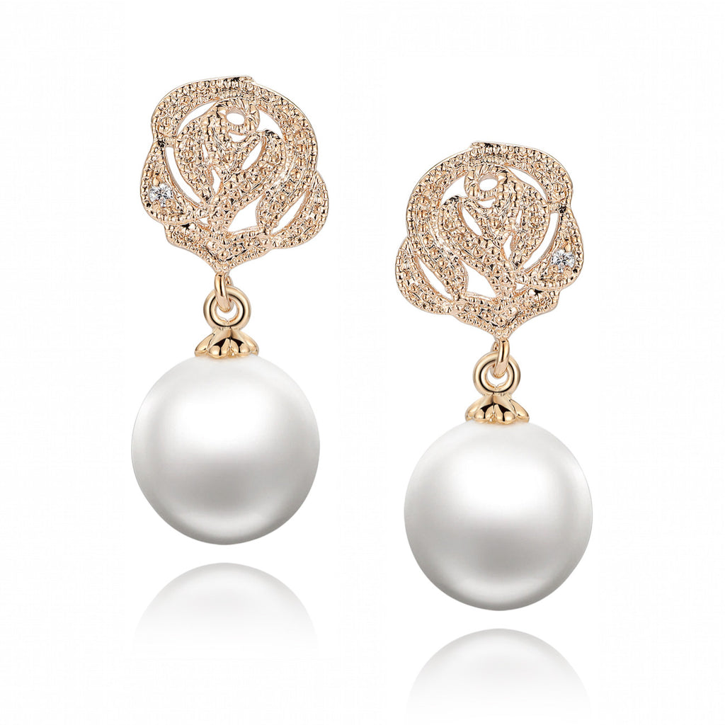 Flora Design W. Shell Pearl and Cubic Zirconia Earrings (Gold Color)