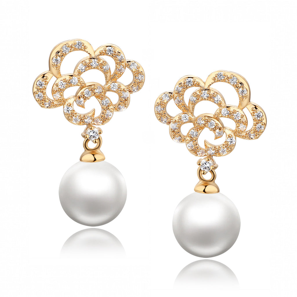 Shell Pearl W. Round Cubic Zirconia Earrings (Gold Color)