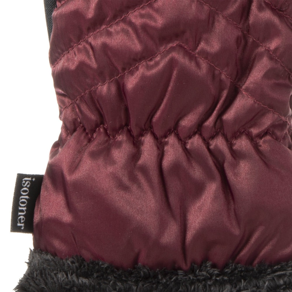 Women's Quilted Chevron Touchscreen Gloves in Plum Cuff Detail