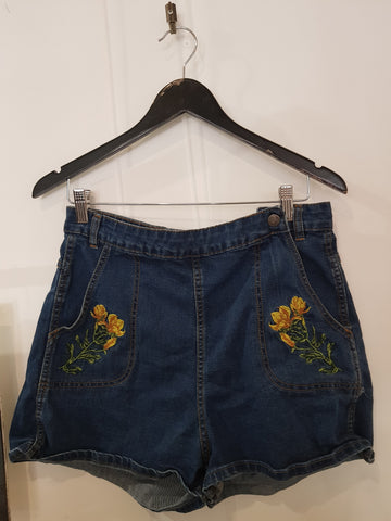 Revival Womens Shorts Size 16