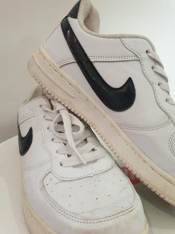 Nike Womens Shoes Size 40