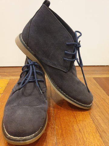 Adventure Country Boys Shoes Size 4