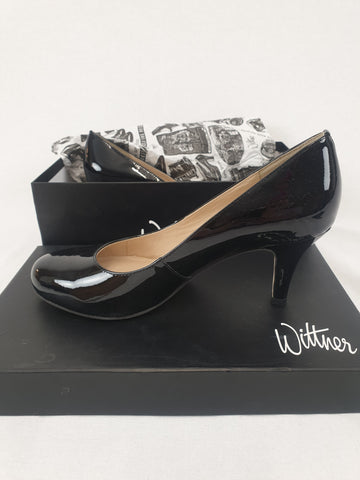Wittner 'Keen' Black Patent Leather Shoes Womens Size 37.5
